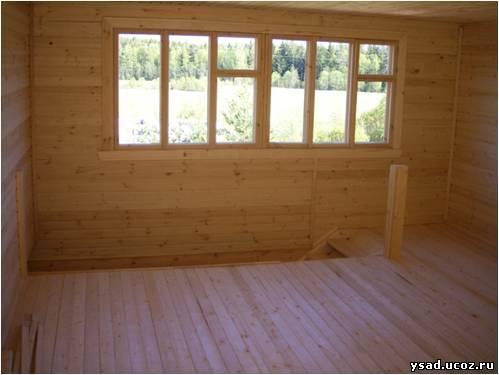 Утеплены фронтоны, стены,потолок мансарды.  Далее вставляем окна и двери.  Окна - деревянные двойного остекления...